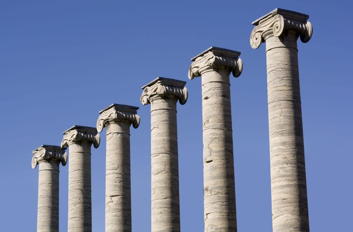 Six freestanding classic columns.
